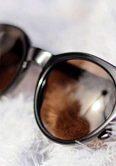 Cat Eye Sonnenbrillen von rocco by Rodenstock passen perfekt zu jedem Herbstoutfit. Diese trendige Sonnenbrille eignet sich großartig für Tage im Freien.