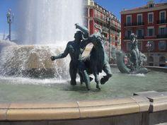 #travel #roadtrip #France #Europe #Nice #statue #fountain