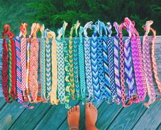 We could make cute bracelets out of natural dyed thread! Thread Bracelets, Embroidery Bracelets, Beaded Bracelets, String Bracelets, Braclets Diy, Beaded Jewelry, Knotted Bracelet, Chevron Bracelet, Silver Jewelry