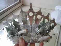 Handmade snow queen crown made by oh miss mousie via oh miss mousie's photostream. The details of the crown remind me of the snow queen images I have seen. Wonderful!!