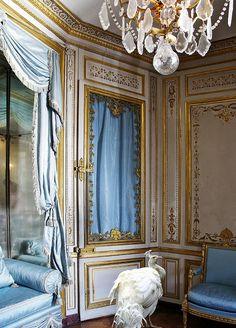 Palace of Versailles Marie Antoinette | Palace Digital Art - Marie Antoinettes Pet Peacock At Versailles ...