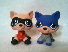 Rudolph and Clarice * OOAK Custom Littlest Pet Shop Christmas Lps Littlest Pet Shop, Little Pet Shop Toys, Little Pets, Custom Lps, Bat Dog, Lps Pets, Nerd Crafts, Cute Little Animals, Toys For Girls