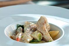 Blanquette z jesetera se sezonní zeleninou Fresh Rolls, Meat, Chicken, Ethnic Recipes, Food, Essen, Meals, Yemek, Eten