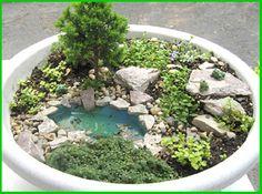 Fairy Garden idea Mini garden with mini pond! Mini Fairy Garden, Fairy Garden Houses, Gnome Garden, Dream Garden, Garden Ponds, Fairy Gardening, Koi Ponds, Gardening Quotes, Pot Jardin