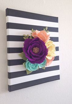 Wall Flowers Felt Wall Hanging Felt Flower by thegreyrose Paper Flowers Diy, Felt Flowers, Flower Crafts, Fabric Flowers, Crafts To Sell, Diy And Crafts, Arts And Crafts, Felt Diy, Felt Crafts