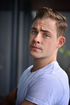 Dacre Montgomery in Stranger Things Power Rangers, Stranger Things, Youtubers, Dacre Montgomery, Australian Actors, Poses, Attractive Men, Face Claims, Perfect Man