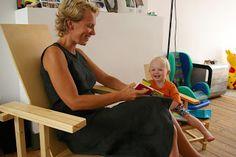 Rietveld-stoel in klein en groot - furniturist.tumblr.com