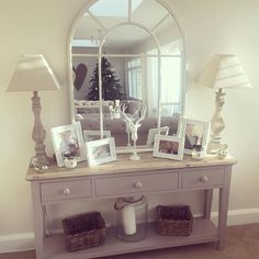 Hallway mirror beautiful hallway sideboard best as well hall mirrors ideas on small table mirror with Apartment Entrance, House Entrance, Entrance Table, Entry Tables, Style At Home, Hall Mirrors, Hallway Mirror, Table Mirror, Hotel Hallway