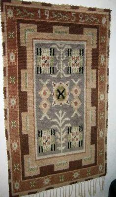 Vanha ryijy Ilmajoelta Room Rugs, Rugs In Living Room, Scandinavian Rugs, Rya Rug, Finland, Art Deco, Textiles, Flooring, Wool