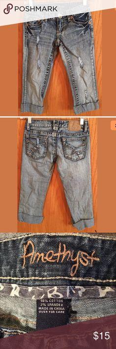 Amethyst Distressed Denim Capris Shorts Size 0 Amethyst Distressed Denim Capris Shorts Size 0 Amethyst Jeans Shorts Jean Shorts