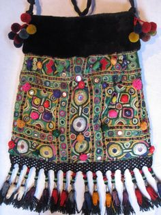 Tasker m. pels » Bag made of fur and old Indian embroidery. Handmade by Jane Eberlein, Copenhagen, Denmark. www.samarkand.dk