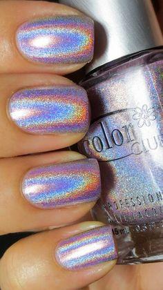 I put my nail polish like a pro! - My Nails Irridescent Nails, Iridescent Nail Polish, Holo Nail Polish, Metallic Nail Polish, Holographic Nail Polish, Acrylic Nails, Nail Nail, Color Club Nail Polish, Chrome Nail Polish