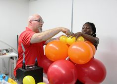 In Praise of Local Balloon Artists!     Instructor Randy Adelson teaches you 'Balloon Basics' at Twisted Balloon Company's studio in Red Hook.     May 17th 5-9pm    10% discount code: JR10     https://balloonacademy.com/events/    #balloonacademy #twistedballoon #toddneufeld #randyadelson #redhook #balloonartist #balloonclass #twistedballooncompany #class #events #balloon #brooklyn #studio