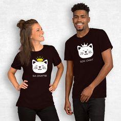 T-shirt couple – Son chat sa chatte - MyRoxXe T-shirt Couple, Son Chat, Couple Tshirts, Sons, T Shirts For Women, Couples, Mens Tops, Fashion, Couple Clothes
