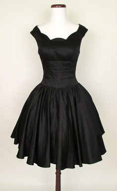 Roman Holiday Black Party Dress | Catnip Reproduction Vintage Clothing    3      2