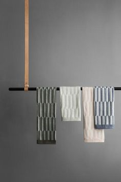 Arch Tea Towel | Add a little Bauhaus flavor to your dish washing with our Arch design based on geometrical shapes. These tea towels are jacquard woven and made of 100% organic cotton.