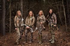 (From Left) Stephanie Mallory, Brita Lewis, Michelle Brantley and Julie Wilkins. Bow Hunting Women, Hunting Girls, Hunting Gear, Hunting Dogs, Survival Weapons, Survival Gear, Survival Skills, Tactical Survival, Archery Girl