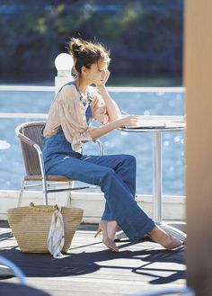 53 Everyday Outfits For Moms - Fashion New Trends - Awesome Canvas Bag Source by bagshopclub outfits for moms Female Pose Reference, Pose Reference Photo, Mom Outfits, Everyday Outfits, Nice Outfits, Everyday Fashion, Mode Ulzzang, Poses References, Body Poses