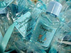 Álcool em gel personalizado com tags no tema escolhido, ótima lembrancinha para maternidade =D  Fragrâncias: Giovana baby, lavanda, erva cidreira, morango, baunilha, cereja, erva doce, maracujá, camomila, maçã e melancia.  Contatos: contato@danysabadini.com.br (11) 2771-3823 ou 98787-6866 R$3,50