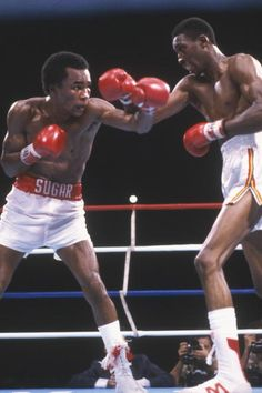Sugar Ray Leonard and Thomas Hearns land their punchs during a match at Ceasars Palace in Las Vegas Nevada on September 16 1981 Sugar Ray Leonard...