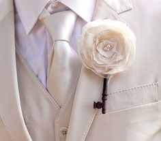 beautiful - it would be great to match to a bride's fabric bouquet with key charms