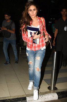 Bollywood's guide to airport dressing Cute Celebrities, Indian Celebrities, Bollywood Celebrities, Celebs, Bollywood Outfits, Bollywood Fashion, Kareena Kapoor Pics, Karena Kapoor, Vogue India