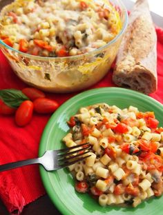 Vegan Caprese Mac and Cheese, healthy AND delicious! Get the recipe here: http://www.peta.org/living/food/vegan-caprese-mac-cheese/ #macncheese #cheesyrecipes
