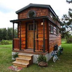 The Kasl Family's tiny house featured on #tinyhousenation @blessthistinyhouse || #tinyhouse #tinyhousemovement #tinyhouseonwheels #tinyliving #littletinyhouse #tinyhouseliving