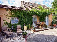 Abritel Location Meyrals - Cottage romantique près de Sarlat avec piscine chauffée - Iziva.com
