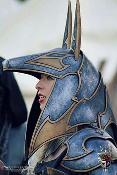 This costume reminds me of the Jaffa soldiers of the Goa'uld Anubis on the TV show 'Stargate SG1'.