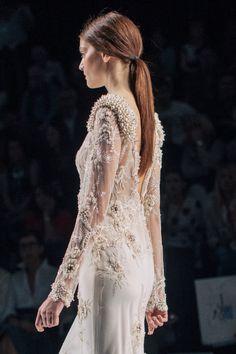 Embellishment / Yolan Cris Spring 2016 Bridal / Photo: The LANE
