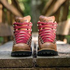 Women's Mountain Light Cascade Boot | Huckberry