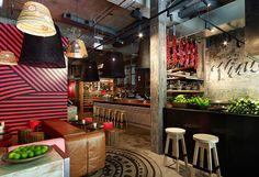 C'est l'agence Juicy design qui s'est occupé de l'agencement de ce bar&restaurant Méjico d'inspiration mexicaine en plein coeur de Sydney...
