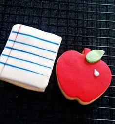 Libreta y manzana