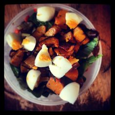 #lunch. #roasted #squash with #paprika #tumeric #cumin and #rosmary. #bokchoy #celery #sunflower #seeds #pinenuts #pumkinseeds #soysauce #balsamic #garlic and a boiled #egg #yum #healthy #detox #cleanse #salad