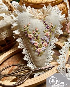 Wonderful Ribbon Embroidery Flowers by Hand Ideas. Enchanting Ribbon Embroidery Flowers by Hand Ideas. Types Of Embroidery, Rose Embroidery, Silk Ribbon Embroidery, Embroidery Patterns, Sewing Crafts, Sewing Projects, Shabby Chic Hearts, Fabric Hearts, Hardanger Embroidery