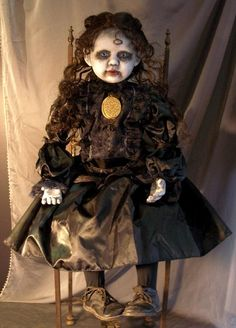 Macabre Gothic Dead Art Dolls by internationally known artist D. Zombie Dolls, Scary Dolls, Creepy Clown, Creepy Doll Costume, Halloween Doll, Creepy Halloween, Halloween Party, Halloween Stuff, Halloween Ideas