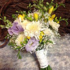 Vintage wedding bouquet of cream, lilac and yellow flowers, includes freesias, roses, daisies, babies breath. Cheap wedding flower  ideas - Sunshine Coast, Brisbane wedding florist www.iblossom.com.au