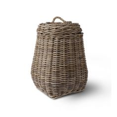 Amara.com Laundry Basket with Lid - Rattan from Garden Trading