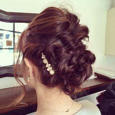 結婚式のため、いつもの美容師さんにセットしてもらいました⋆。˚✩ 感動し過ぎて「どうやったの!?」って聞いて説明してもらったけど、半分わからなかったよー笑  美容師さんってすごいね!!! ありがとうございまーす✧⁺⸜(●˙▾˙●)⸝⁺✧ #HAPPY_VERY  #happyvery #ハッピーベリー #結婚式 #結婚式の時の髪型 #ヘアスタイル #hairstyle #おめかし #テンション上がる #美容師さんってすごい #くるりんぱ