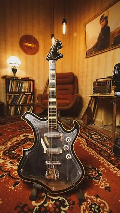 The guitar has signs of wear. MADE IN USSR. Electronic in working condition. See photo carefully. Guitar Rig, Cool Guitar, Acoustic Guitar, Vintage Electric Guitars, Vintage Guitars, Electric Guitar Lessons, Guitar Photos, Cheap Guitars, Education Humor