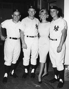 Yogi Berra, Mickey Mantle, Doris, and Roger Maris.Her waist is so incredibly tiny. Go Yankees, New York Yankees Baseball, Reds Baseball, Baseball Stuff, Cardinals Baseball, Mlb Players, Baseball Players, Baseball Cards, Baseball Pictures