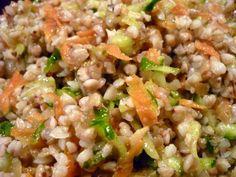 Салат-гарнир (гречка с луком, морковью и огурцом)