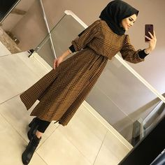 Image may contain: 1 person, standing and indoor Hijab Dress Party, Hijab Style Dress, Modest Fashion Hijab, Modern Hijab Fashion, Street Hijab Fashion, Hijab Fashion Inspiration, Islamic Fashion, Hijab Chic, Muslim Fashion