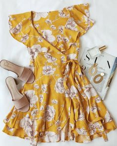 French Quarter Yellow Floral Print Wrap Dress - Source by asbeh - Casual Outfits, Cute Outfits, Fashion Outfits, Womens Fashion, Fashion Trends, Ootd Fashion, Fashion Clothes, Fashion Ideas, Casual Dresses