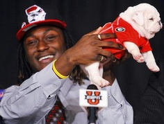 Isaiah Crowell on signing day. How 'bout them Dawgs ; Love the pup! College Signing Day, College Fun, National Signing Day, Georgia Bulldogs Football, Georgia Girls, College Football Teams, University Of Georgia, Sports Activities, Bulldog Puppies