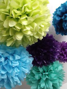 Peacock wedding  40 Tissue paper pompoms  peacock party by pomtree. Decoration piece.