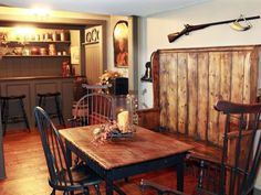When Kari Miller-Cameron talks about the New England-style saltbox home she built in Waukesha, she often compares herself to a banker's wife. Primitive Dining Rooms, Country Dining Rooms, Dining Room Bench, Primitive Homes, Primitive Country, Country Living, Primitive Bedroom, Primitive Antiques, Primitive Decor