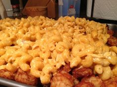 Buffalo chicken mac and cheese on tater tots