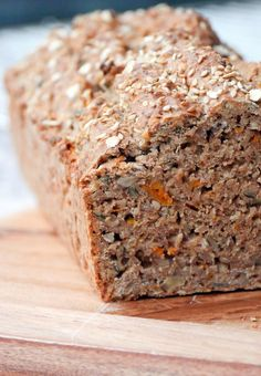Variety of bread with wholemeal spelled flour, oats and carrots